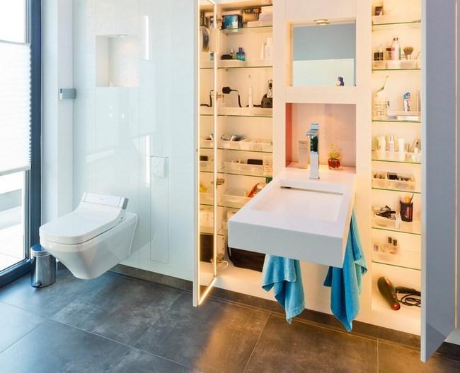 Łazienka z wbudowaną szafą Baqua