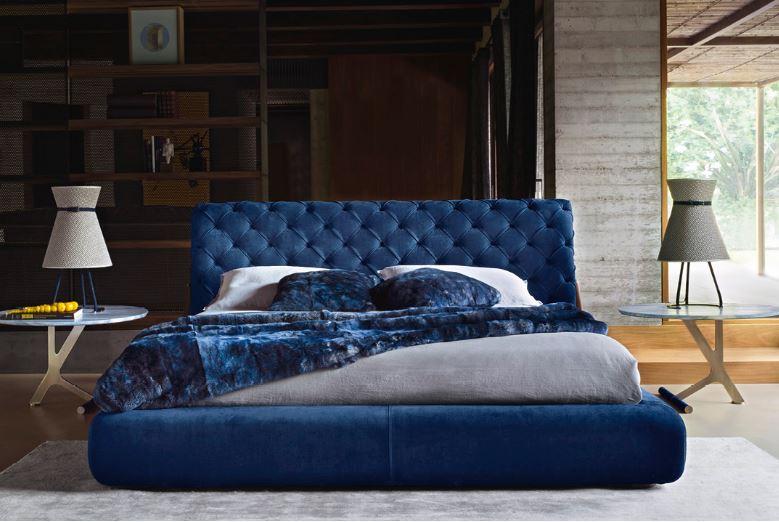 Granatowe łóżko tapicerowane Ulivi Salotti