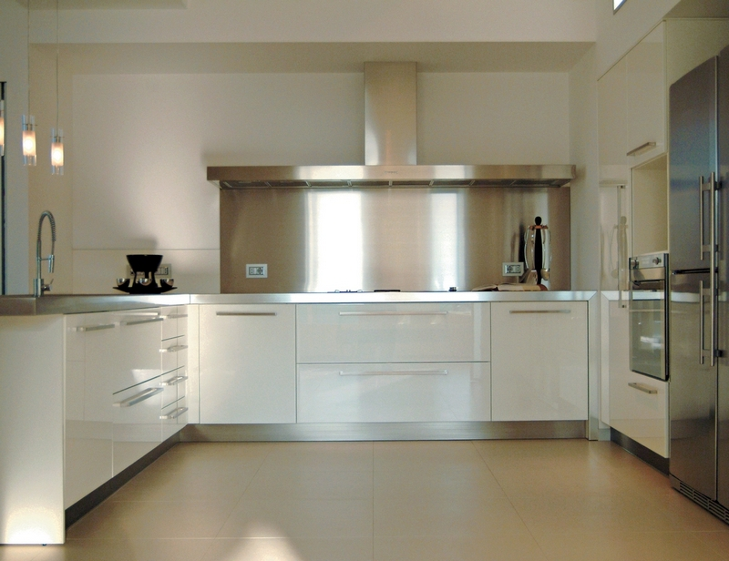 Ziemista beżowa podłoga idealna do kuchni; Casalgrande Padana