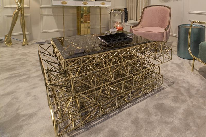 Złota konstrukcja stolika Bessa Design