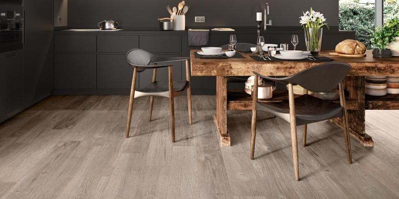 Porcelanowe płytki podłogowe imitujące drewniane panele; Casalgrande Padana