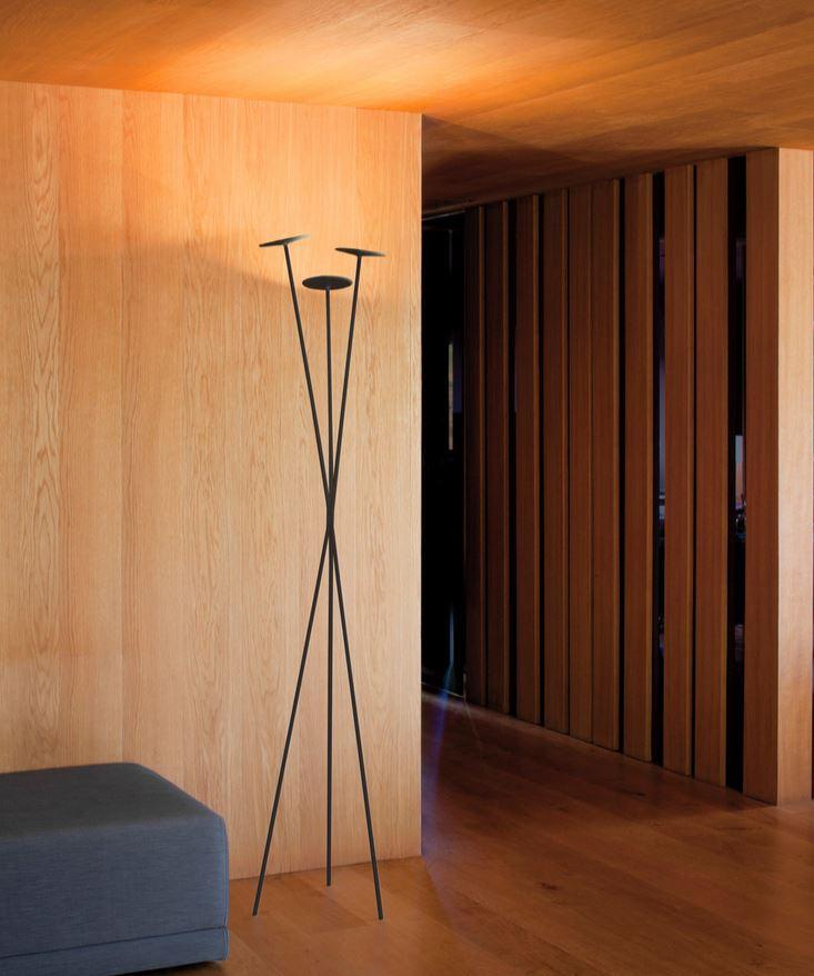 Industrialna lampa podłogowa do przedpokoju Vibia