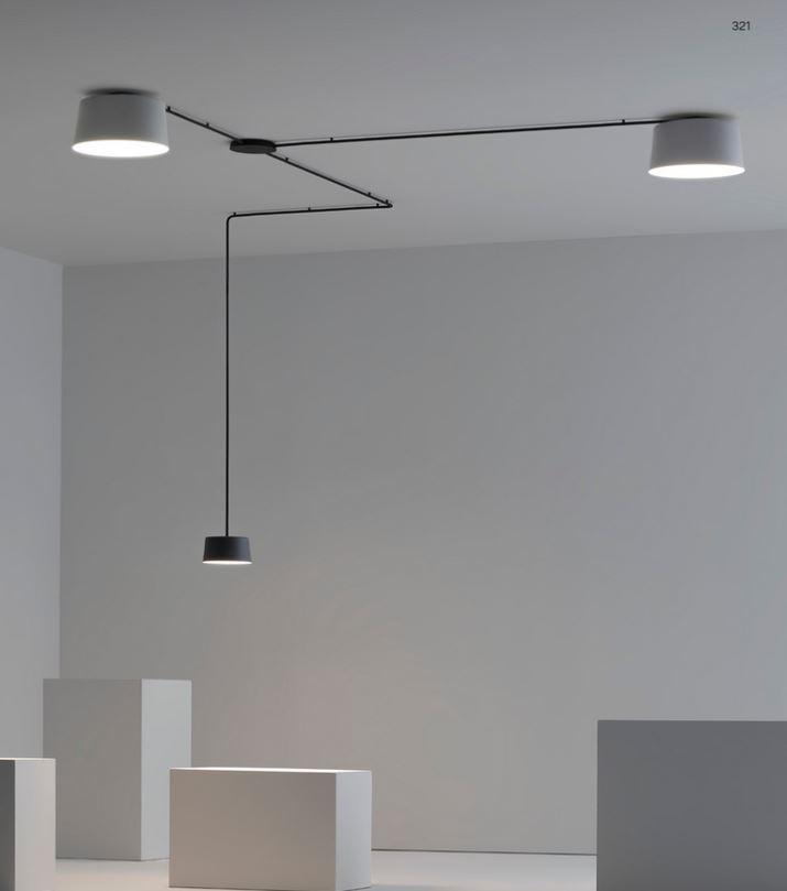 Połączenie lamp sufitowych z wiszącą; Vibia