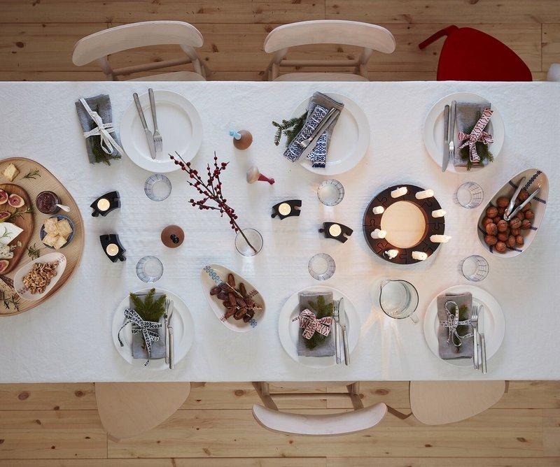 Świąteczny stół w aranżacji IKEA