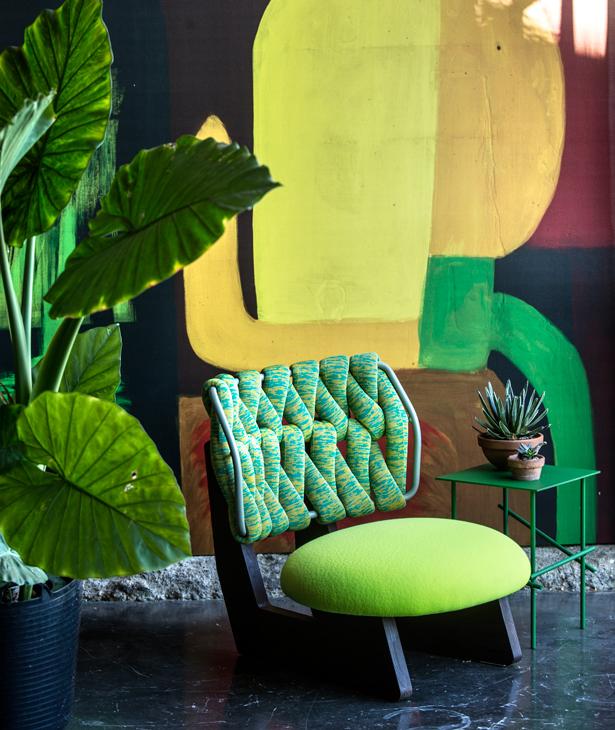 Kolorowy fotel Biknit / Moroso
