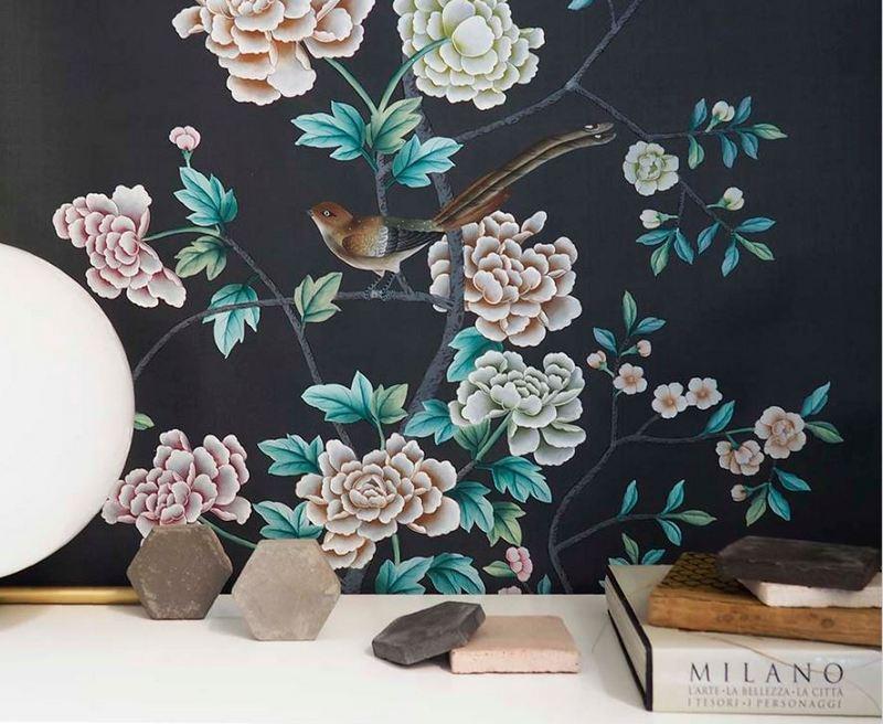 Detal ręcznie malowanej tapety MISHA