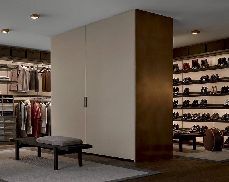 Pomysł jak urządzić garderobę otwartą; Poliform