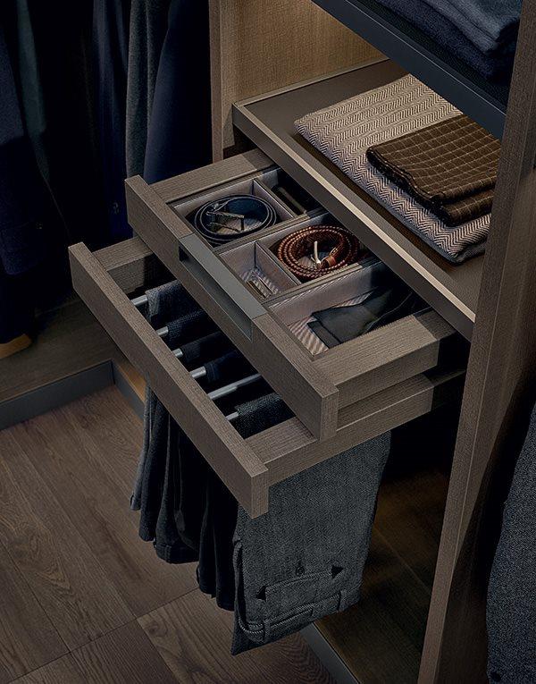 Jak urządzić garderobę - szuflady Poliform