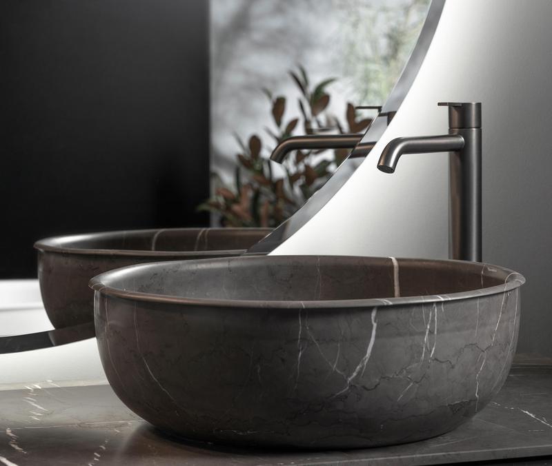 Trendy łazienkowe: marmurowa umywalka Inbani / Architonic