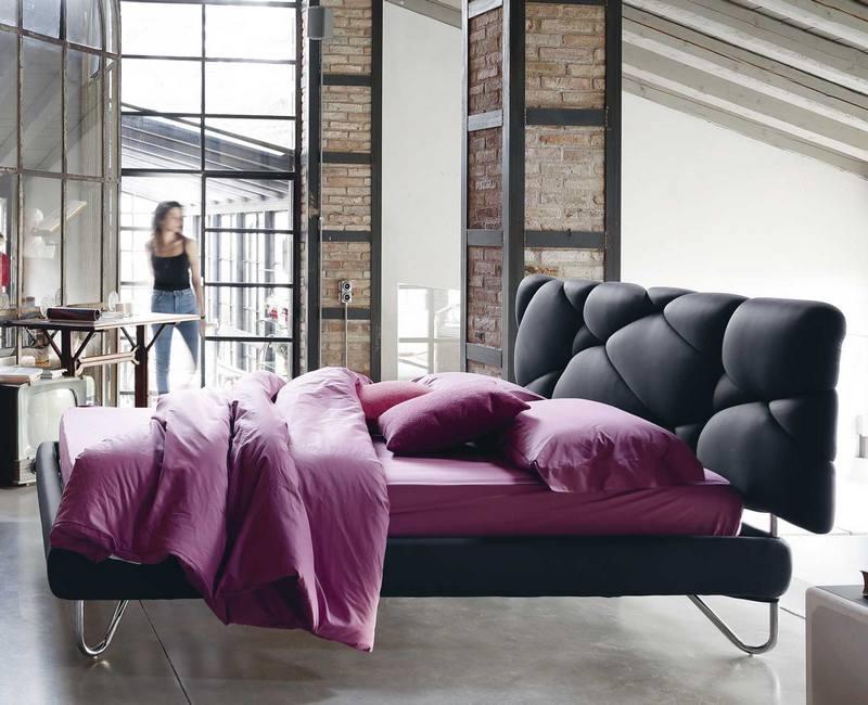 Czarne nowoczesne łóżko Noctis